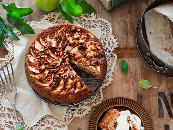 Baba Zorka's Croatian apple cake