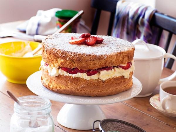 Mum's strawberry and cream sponge cake