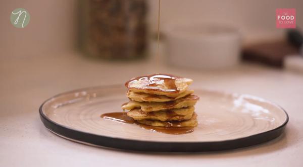 2 ingredient banana pancakes (gluten-free and dairy-free)