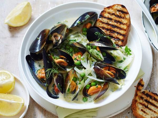 Spring mussel bowl