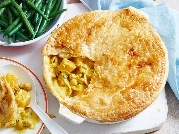 Pumpkin and chickpea coconut curry pie
