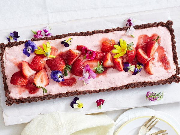 Strawberry yoghurt choc tart