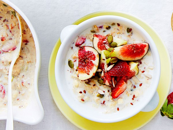 Overnight oats with strawberries, figs and super seeds