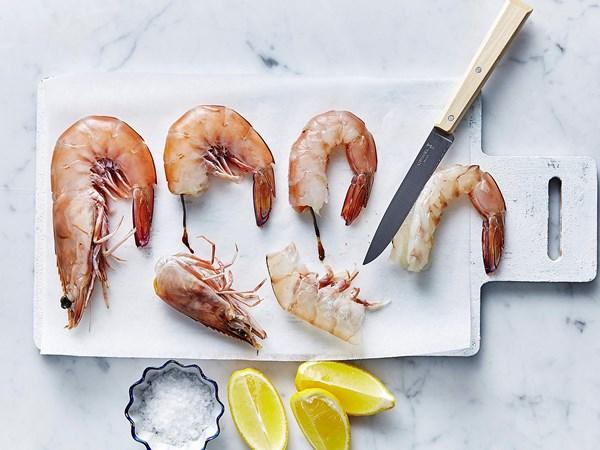 How to prepare prawns