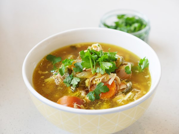 Easiest-ever healthy slow cooker chicken soup