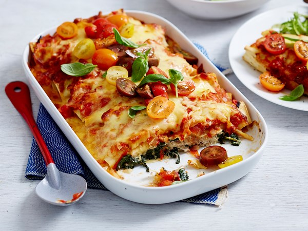 Chicken, spinach and tomato cannelloni