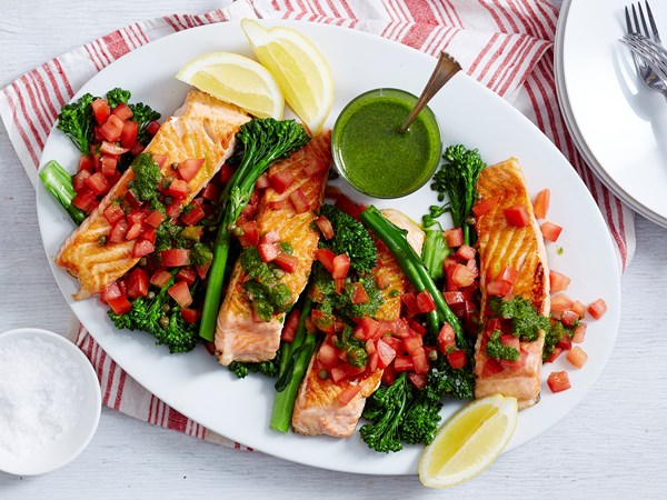 Grilled fish with tomato and herbs