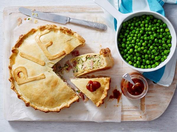 Zucchini ham and egg pie