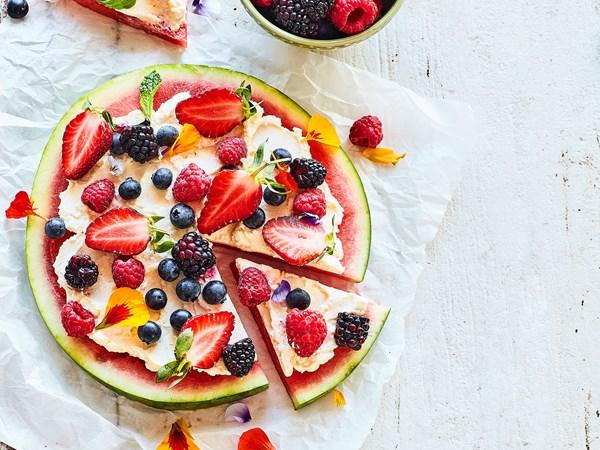 Watermelon dessert pizza with vanilla cream