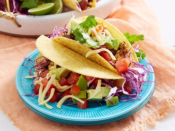 Pork and kidney bean tacos