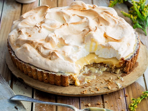 The best-ever lush lemon meringue pie