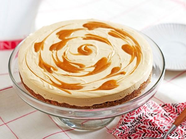 No-bake caramel and cream cheese cheesecake