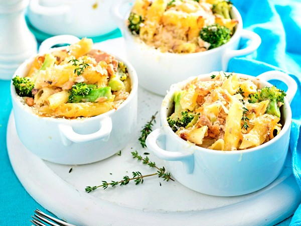 Gluten-free creamy salmon, broccoli and penne pasta pots