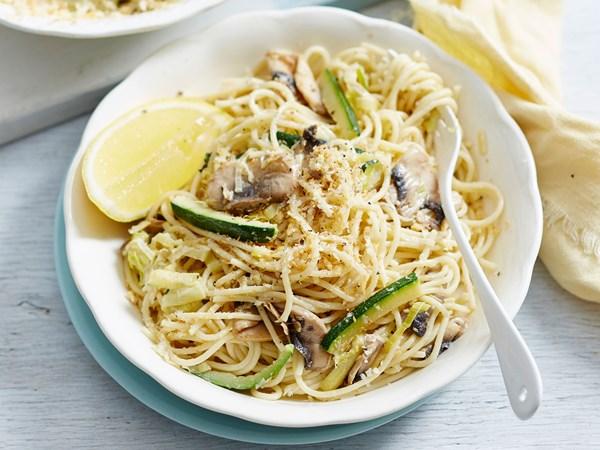 Creamy courgette spaghetti