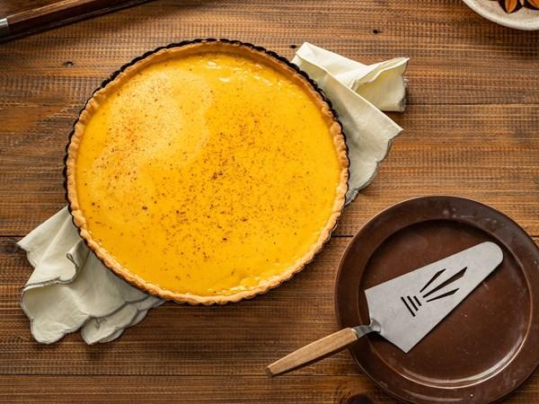 Lemon and vanilla custard tart
