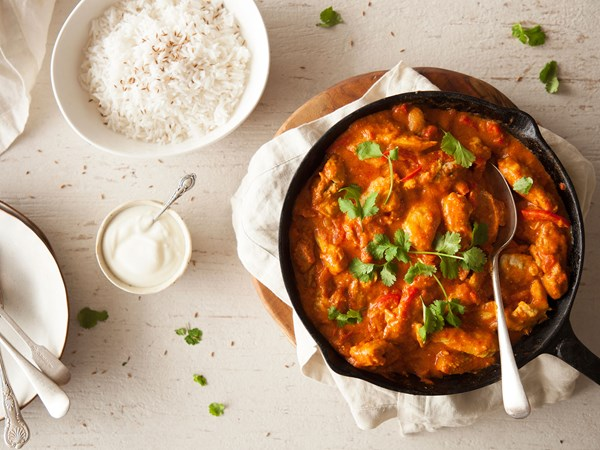 Chicken curry with capsicum and yoghurt