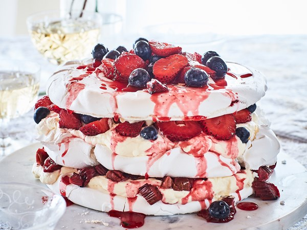 Meringue and berry layer cake