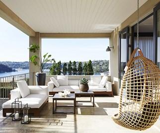 Balcony luxe outdoor living