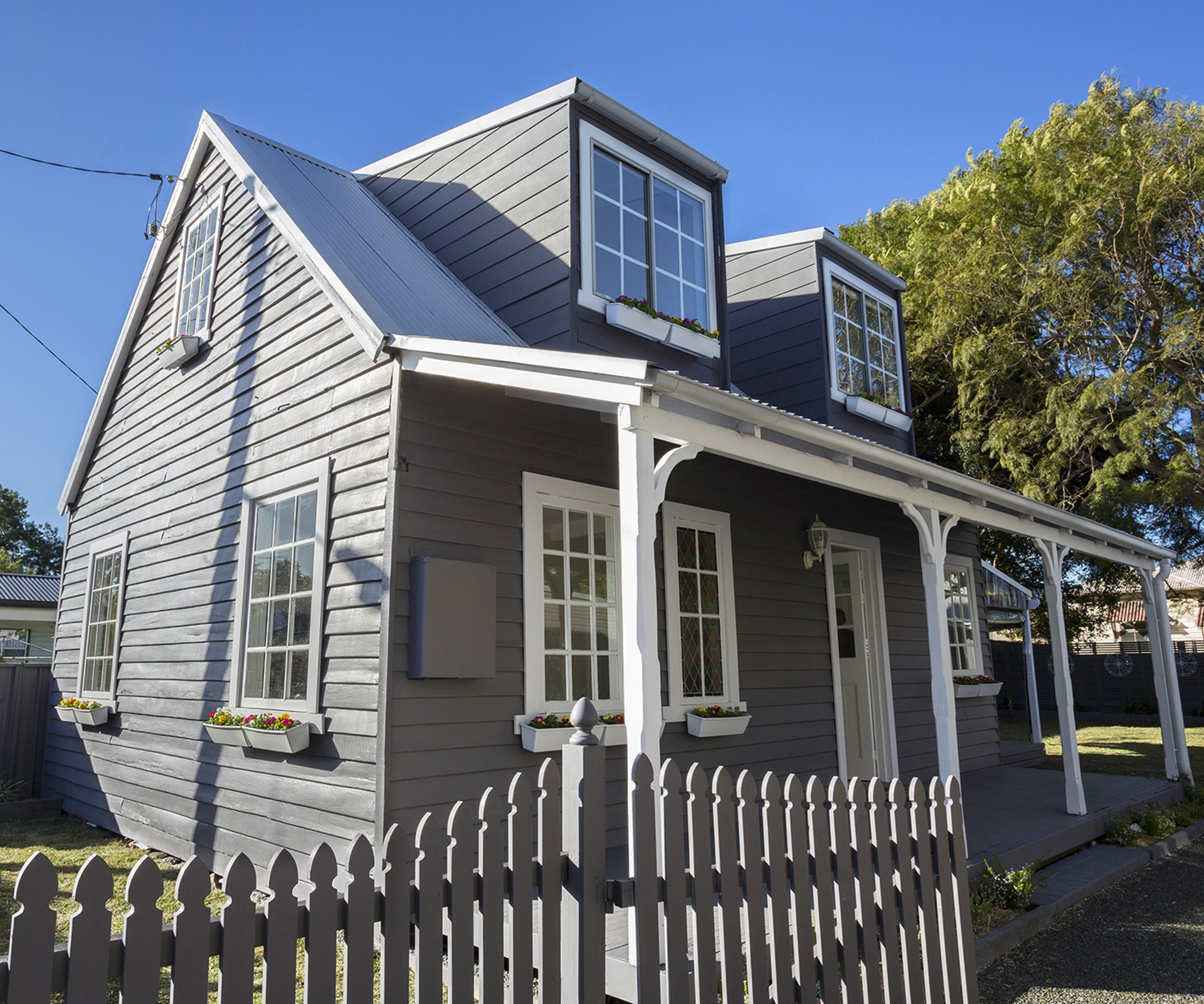 cute weatherboard cottage renovation