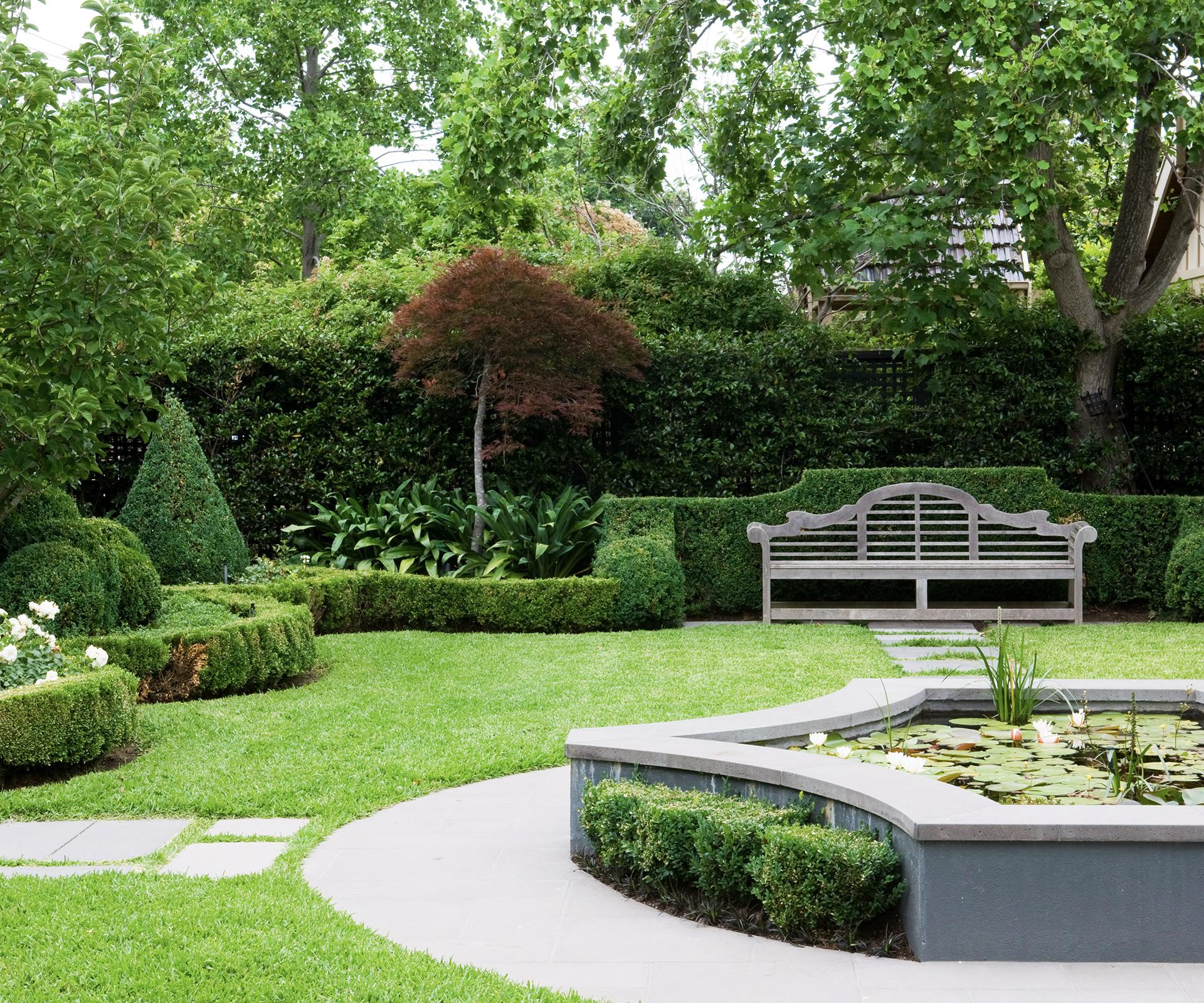 Formal english garden plan the image for Landscape gardeners