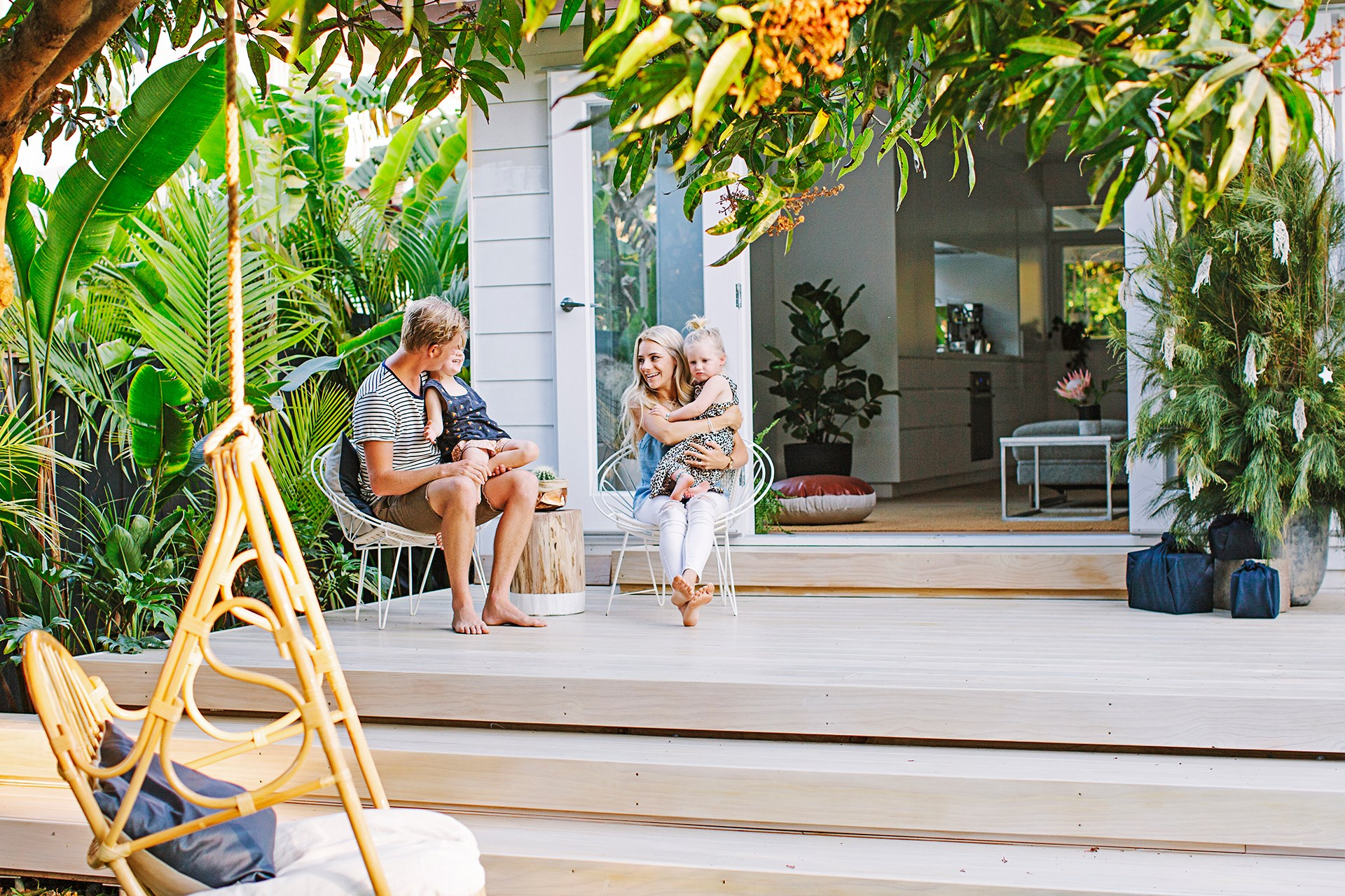 """With a bit of sparkle, [Sarah and Luke's beachside home](http://www.homestolove.com.au/sarah-and-lukes-beachy-home-on-the-sunshine-coast-2644