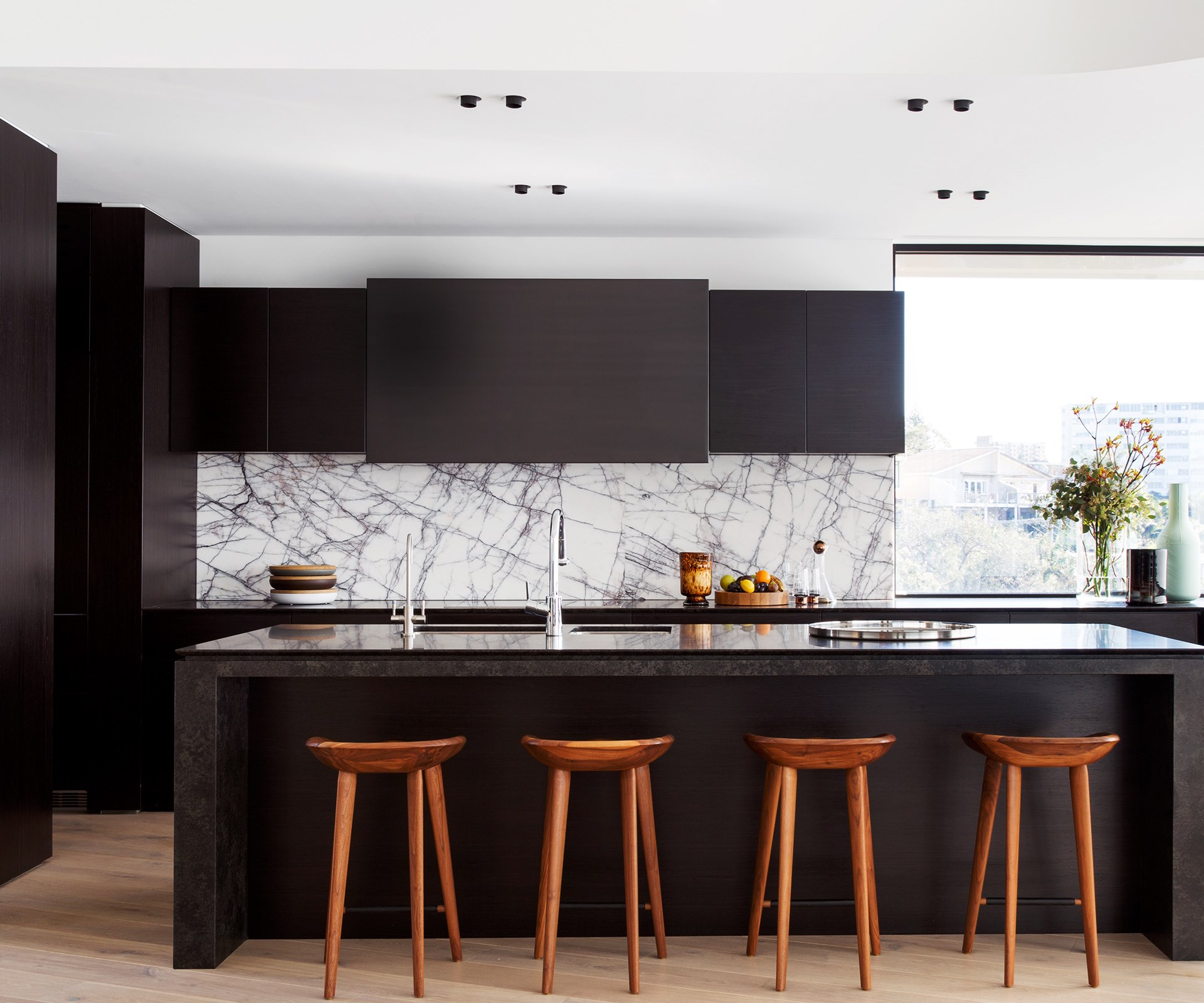 Black Benchtop Kitchen Designs: 10 Luxe Ways With Marble