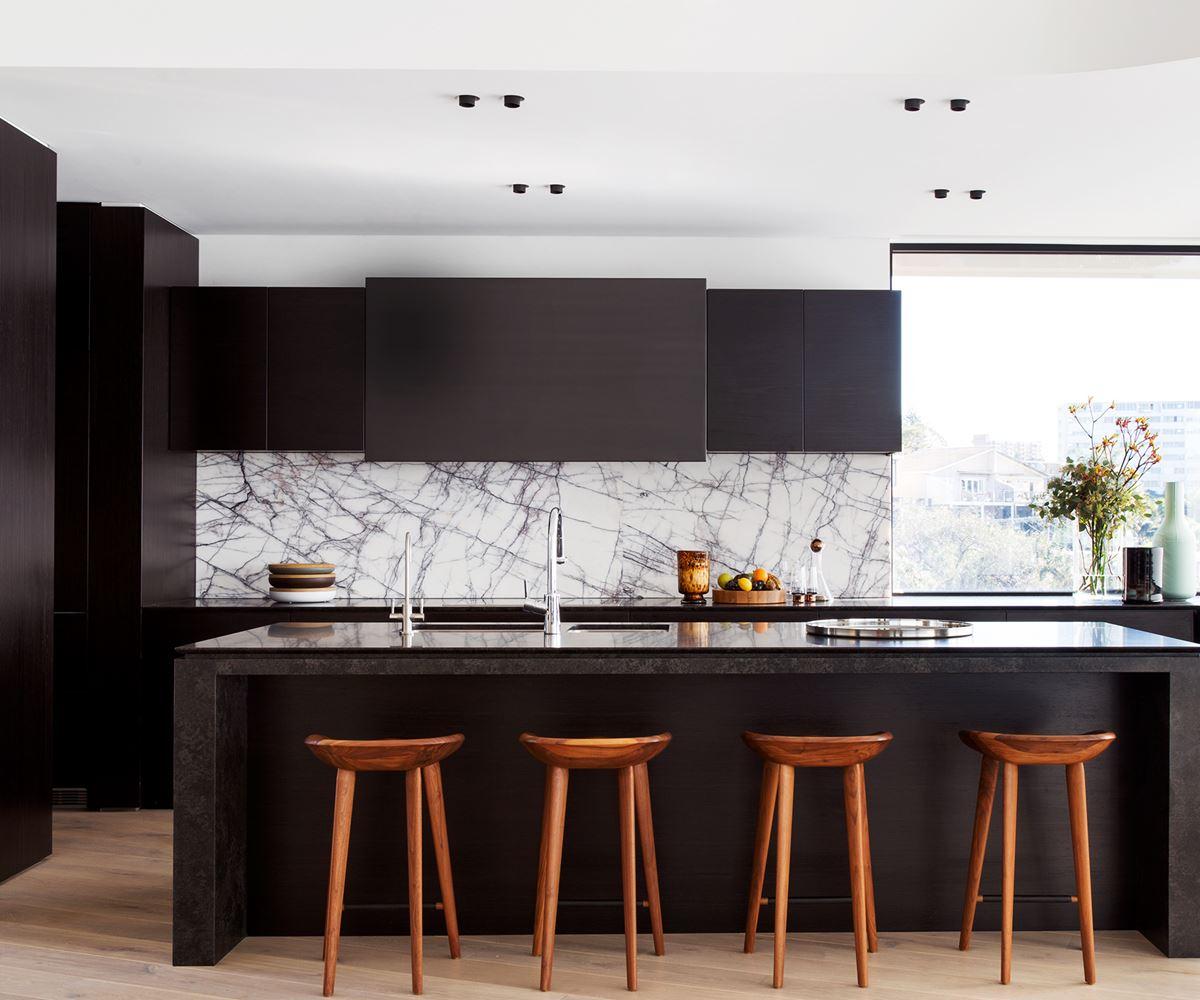 White Kitchen Dark Splashback: 10 Luxe Ways With Marble