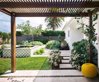 Coastal style garden makes entertaining a breeze