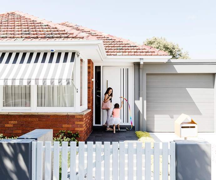 1940s Facade Hides A Sizzling 21st century Home