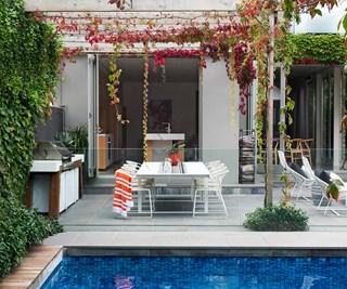 Melbourne garden designed for sensational seasonal colour