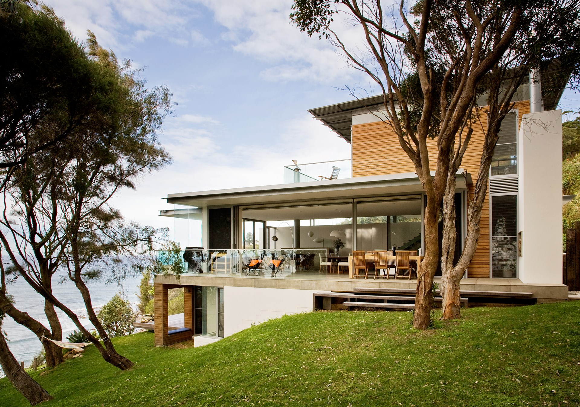 """The [seaside](http://www.homestolove.com.au/15-australian-seaside-homes-2498