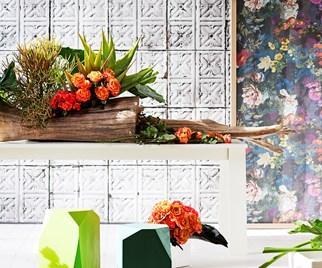 table flower arrangement