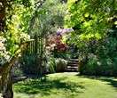 An incredible garden that changes with the seasons