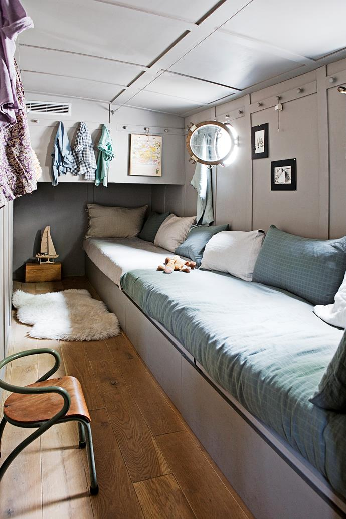 A houseboat afloat on a parisian canal homes for Narrowboat interior designs