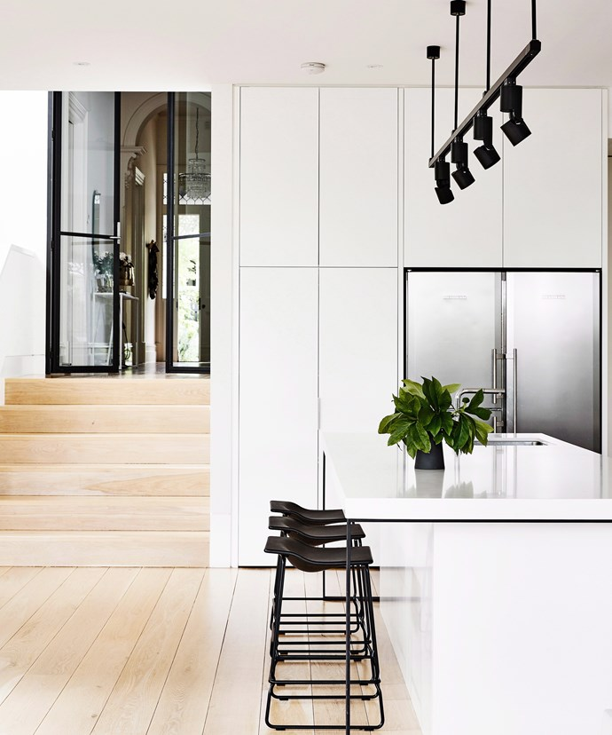 Keeping statement features to the same hue (here, black), adds interest to the space without seeming fussy or cluttered. *Photo: Derek Swalwell / bauersyndication.com.au*