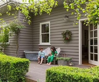 Weatherboard cottage