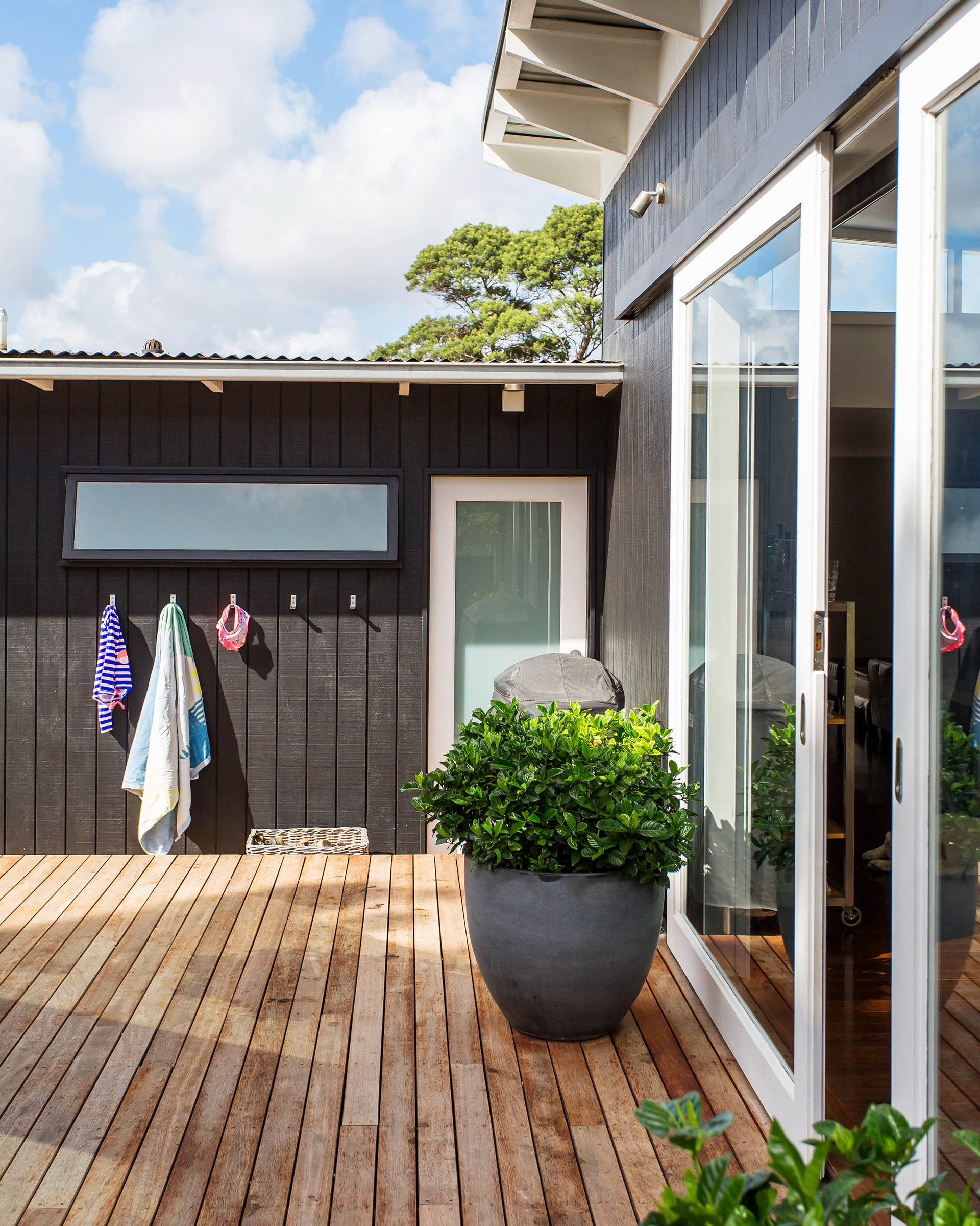 **Edwina McLean** This old fibro beachshack on the Mornington Peninsula has been transformed into a modern marvel. [See the full home here](http://www.homestolove.com.au/renovation-of-an-old-fibro-beach-shack-4405) or [vote for this home](http://www.homestolove.com.au/homes-reader-home-of-the-year-4499).