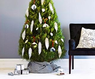 Christmas tree decorating styles