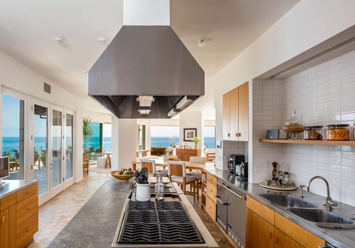 "A gourmet island-kitchen with a breakfast bar is another vantage point for the breath-taking views. Photo: [Chris Cortazzo Malibu Real Estate](http://www.chriscortazzo.com/|target=""_blank""