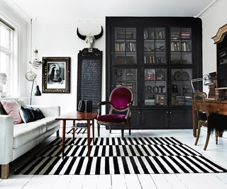 Artistic style apartment