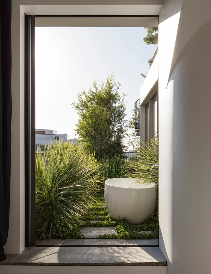 A Private Park by SJB. [Vote for this project!](http://www.homestolove.com.au/readers-choice-2017-5033) *Photography: Felix Forest*