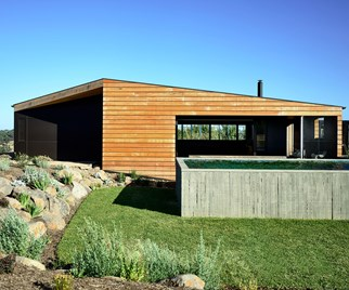 Hill Plains Cottage by Wolveridge Architects