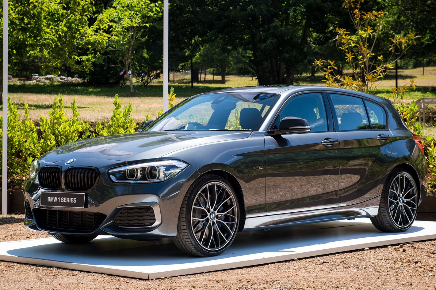 bmw m140i performance edition revealed motor. Black Bedroom Furniture Sets. Home Design Ideas