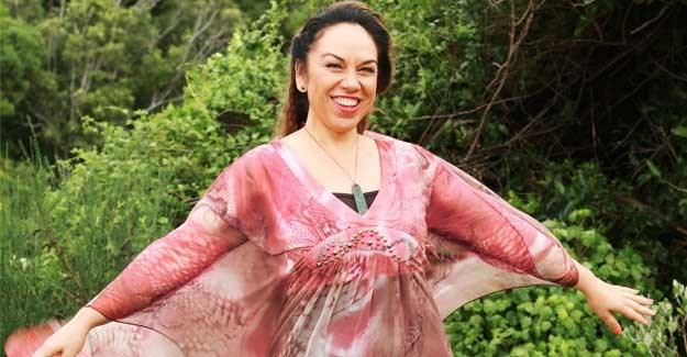 The Kiwi musician using Maori medicine to help treat her cancer