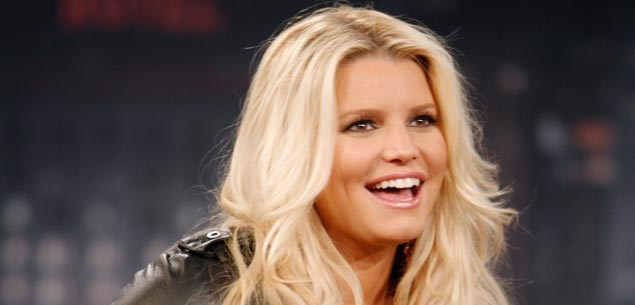 Jessica Simpson gets help in her weight battle