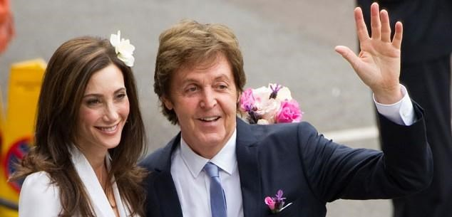 Paul McCartney and Nancy Shevell escape death