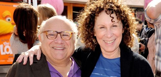 Michael Douglas reunites Danny DeVito and Rhea Perlman