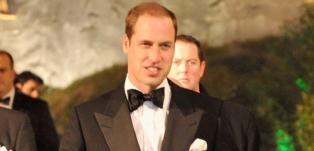 Prince William attends The Hobbit premiere without Kate