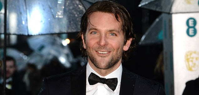 Bradley Cooper dirty dances at Baftas (PHOTOS)