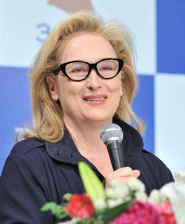 Meryl Streep calls Margaret Thatcher pioneer